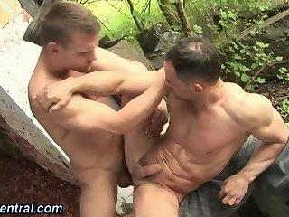 Cumming hunk barebacked