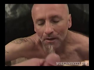 Mature Amateur Guy Jacking Off