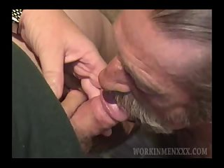 Mature Amateur Scooter Jacking Off