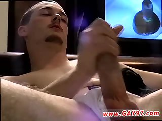 Plump amateur jerking off cumming