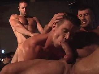 Muscular Hunks Live Show
