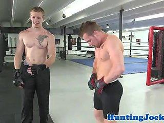 Muscular boxing hunks assfucking in the ring