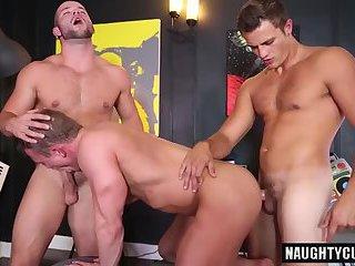 Naughty bottom dap with cumshot