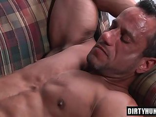 Muscle boy oral sex with cumshot