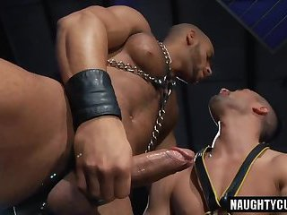 Big cock submissive oral sex and cumshot