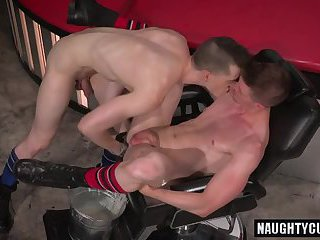 Hot gays double fisting with cumshot
