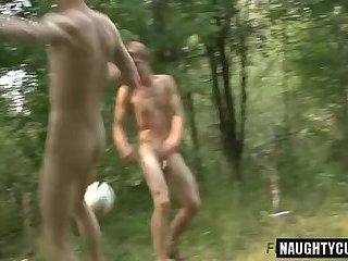 Hot amateur handjob with cumshot