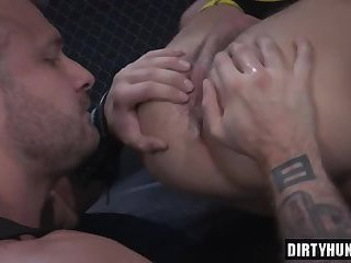 Muscle wolf fetish and facial