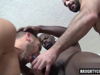 Huge dick jock threesome with cumshot