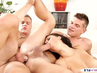 Stud getting assfucked while babe sucks him