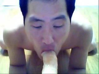 Asian amateur sticking ass on toy