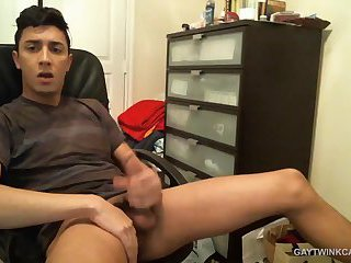 Latin Amateur Alexio Webcam Jack Off