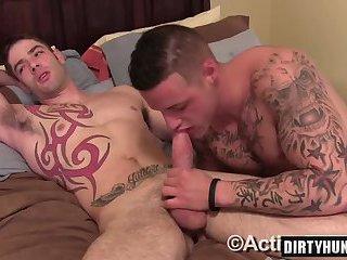 Muscle amateur flip flop with cumshot