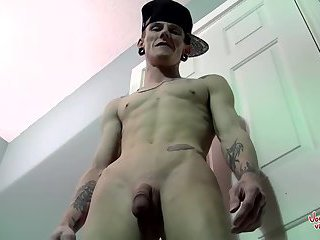 Swapping Cock With Bisexual Diamond Diamond Joe