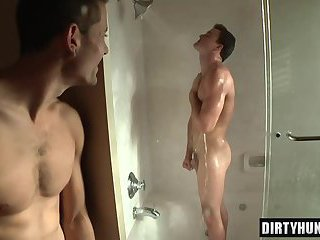 Tattoo twink anal with facial