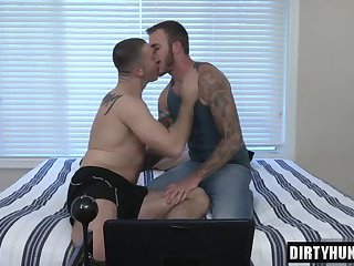 Muscle jock oral sex and cumshot