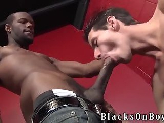 Black Dude Fucks White Guy