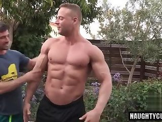 Big dick bodybuilder anal sex with facial