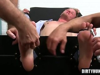 Muscle gay foot and cumshot