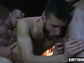 Muscle bear threesome and facial cum at the van