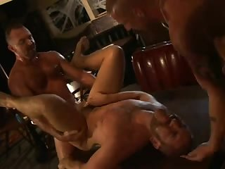 Muscular tatted daddies threesome fuck - BareSexyBoys.com