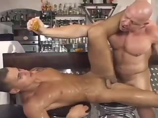 Muscular hunks passionate fuck - BareSexyBoys.com