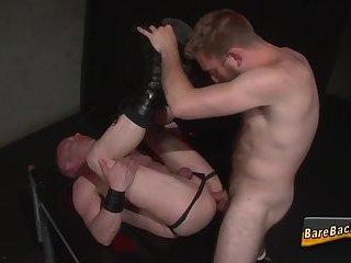 Amateur gets ass rimmed