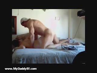 muscle daddy fucks tweink