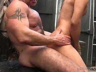 Daddy Rogue Bareback Fucks Latino Cesar Xes