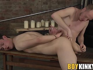 Sexy Sean Taylor ass toying wiht tied up slave Eli Manuel