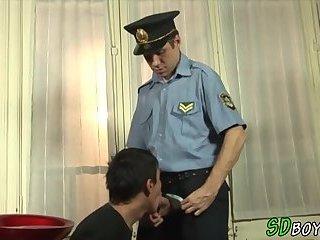 Amateur gets penetrated