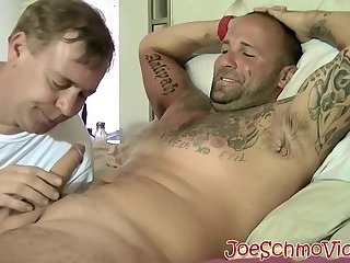 Tattooed Duncan Dixxx sucked off by big cock Joe Schmo
