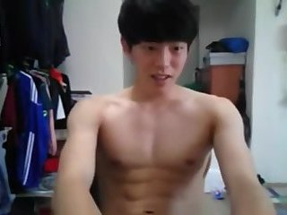 Svelte Asian cutie busts a webcam nut