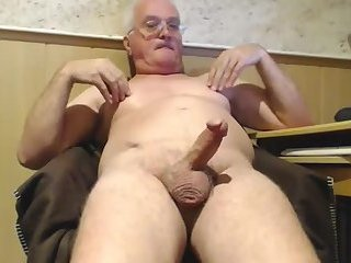 2 men wank in my face 9