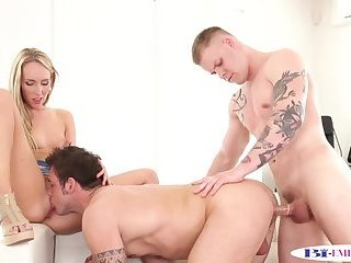 Muscular hunk buttfucked while pussylicking