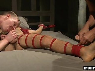 Hot gay threesome with cumshot