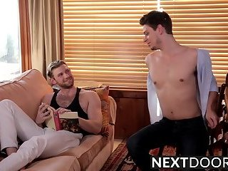 Twink boyfriends Michael Del Ray and Jacob Peterson fuck raw