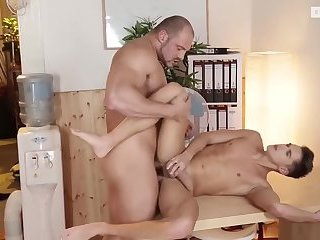 filthy Bodybuilder And His Real toy