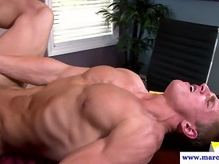 Muscly stud sucking hunks cut cock