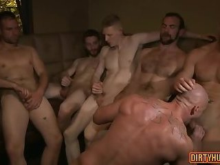 Muscle gay bound with cumshot