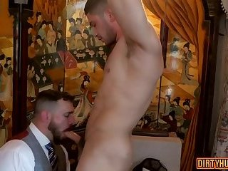 Muscle gay flip flop with cumshot