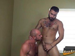 Big bear bareback fucks