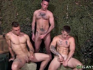 Military amateurs cum on pecs