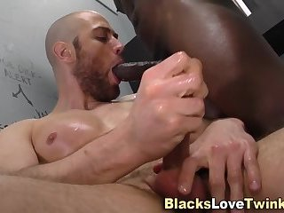 Ebony dude shoots cum