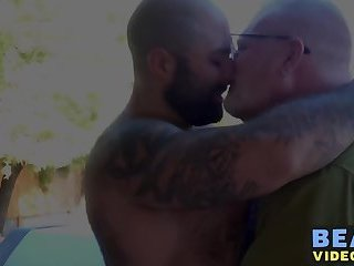 Bareback drilling with older hairy bear and muscular hunk