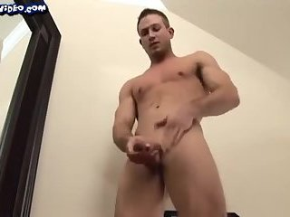 Sexy muscle solo hot jerking off and cum