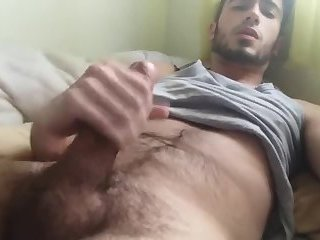 watching this hot boy cum makes me happy