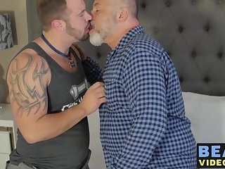 Fat hairy bear takes it up the ass from a tattooed cub