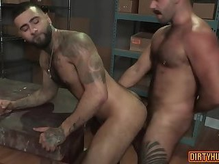 Muscle bear outdoor with anal cumshot