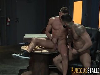 Hairy hunk gets assfucked